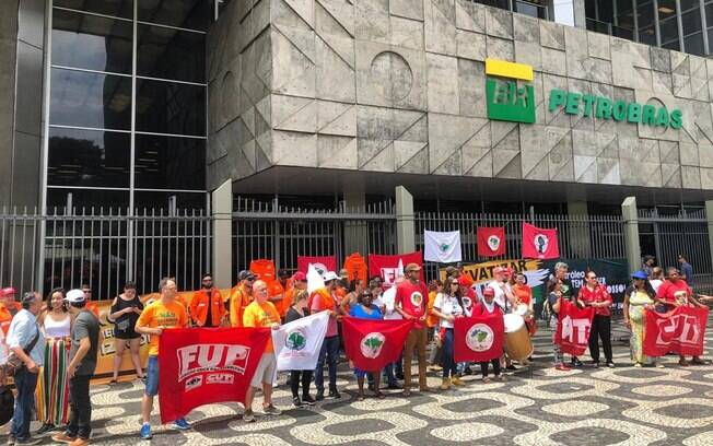 A greve se arrastava desde o dia 1º de fevereiro e atingiu 16 unidades da Petrobras, em dez estados