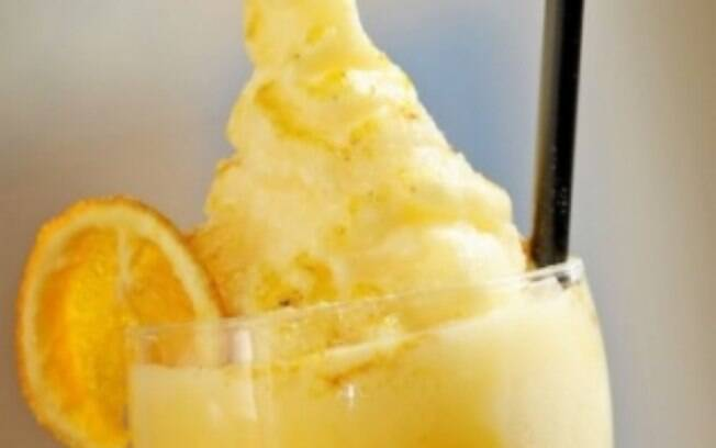 Frozen de bergamota com iogurte natural