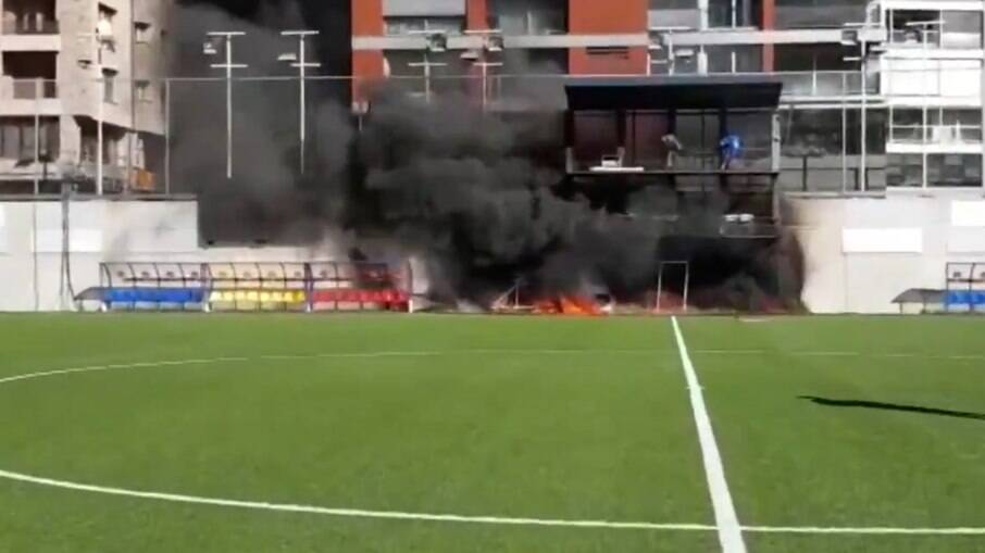 Incêndio no Estádio Nacional de Andorra