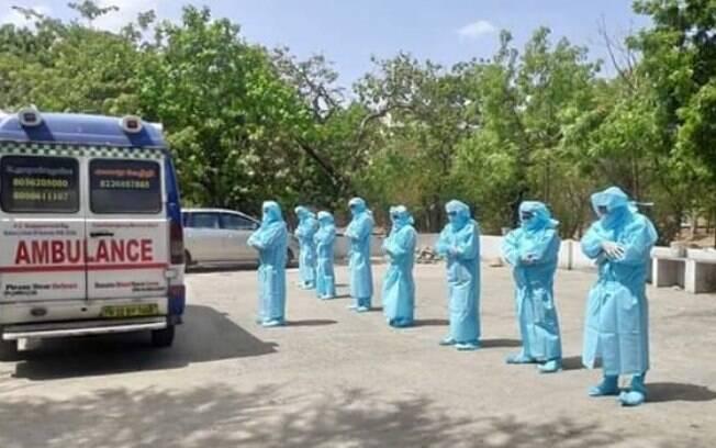 Casamento e velório ocorreram na Índia, que é um dos países mais impactados pela pandemia do novo coronavírus atualmente