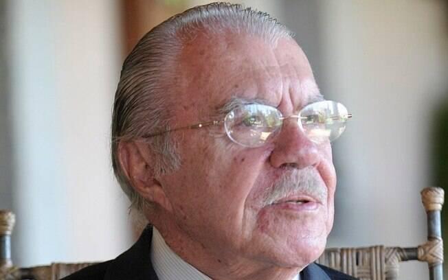 Sarney critica Bolsonaro
