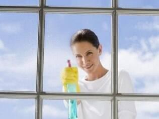 Reforçar a limpeza em casa é uma das alternativas para reduzir a poluição