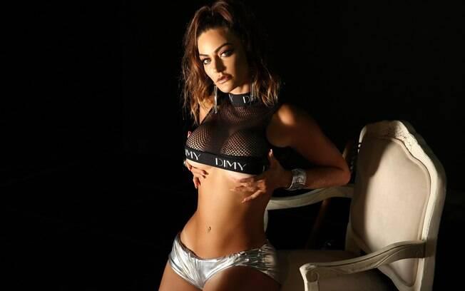 Laura Keller mostrou toda sensualidade em ensaio para o Diamond Brazil
