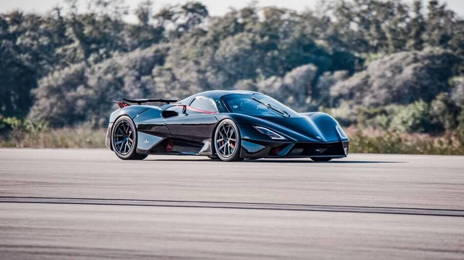 SSC Tuatara: média de 455,3 km/h, estabelecendo um novo recorde mundial de velocidade entre os superesportivos atuais