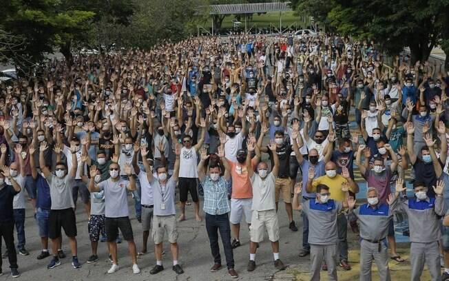 Sindicato faz vigília em fábrica da Ford em Taubaté após anúncio de saída do Brasil