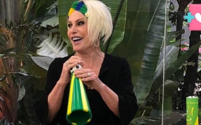 Ana Maria Braga passa vergonha ao tentar usar vuvuzela