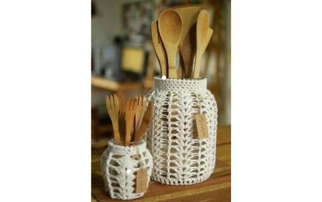 Já pensou em ter o crochê como hobby? A arte é útil para criar roupas, assessórios e ajuda até a decorar a casa