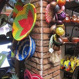 Cores vibrantes estão entre as características principais do artesanato do Vale do Cauca