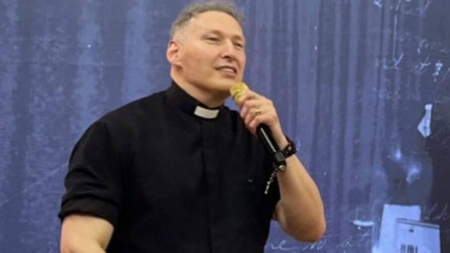 Padre Marcelo Rossi é alvo de golpe