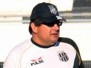 Guto Ferreira deixou o comando da Ponte Preta no início de junho