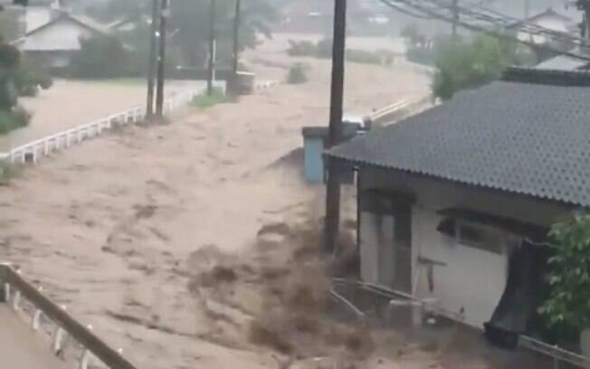 Fortes chuvas causaram inundações e deslizamentos em diversas regiões