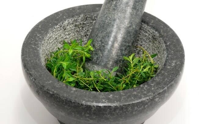 Ervas e temperos ajudam para o bem-estar. Veja como incluí-los no dia-a-dia