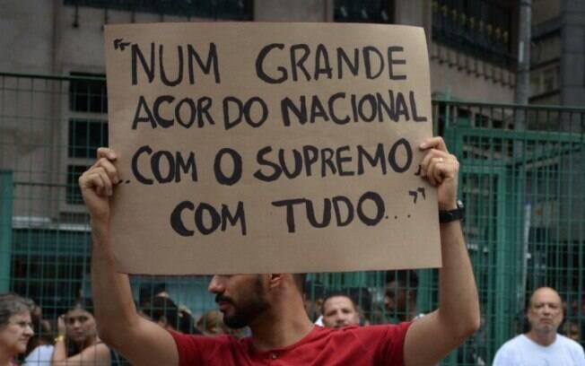 Manifestante destaca aspas icônicas sobre a corrupção no Brasil, ditas por Romero Jucá; frase foi dissociada a crime pela PF