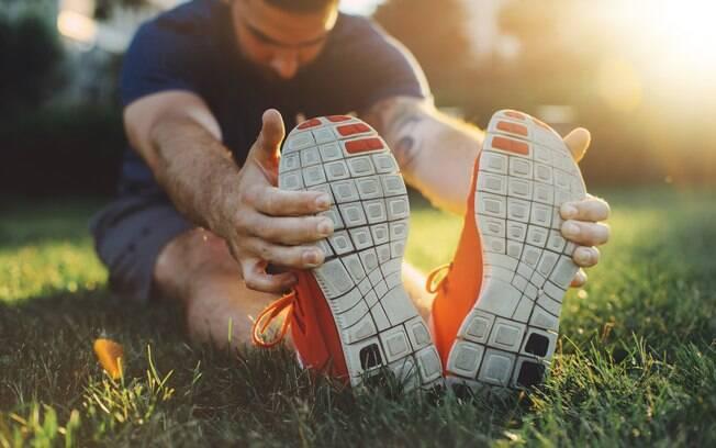Exercícios físicos frequentes e alongamentos são seus principais aliados para evitar problemas musculares ao dirigir
