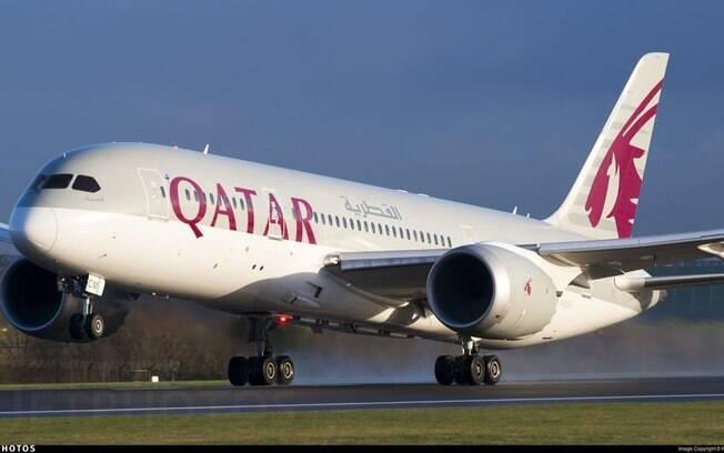 Outubro Rosa no mundo: Qatar desenha símbolo nos céus com Boeing 787