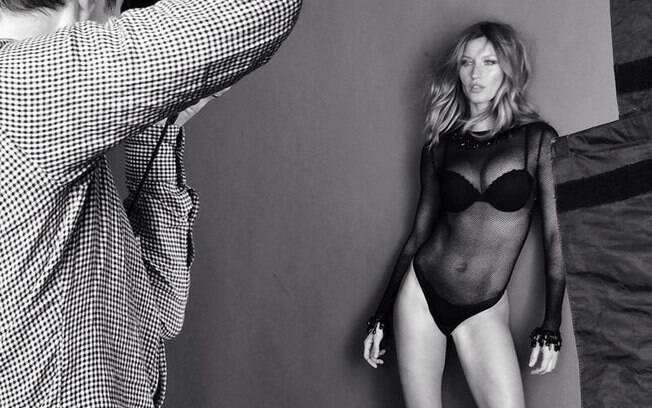 Gisele Bündchen poses sexily for a photo-shoot