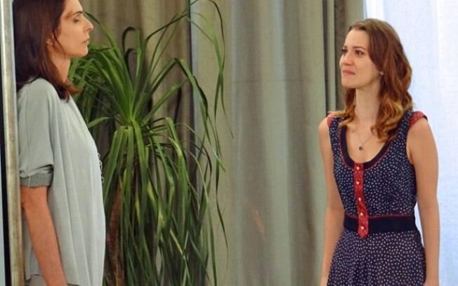 Úrsula é confrontada por Laura