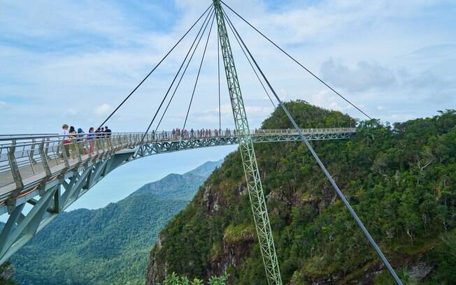 Na Malásia, a Ponte Langkawi Sky é diferente das pontes famosas, pois é uma ponte