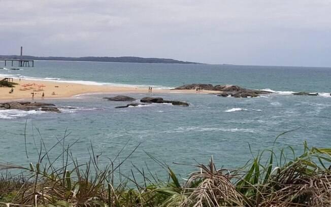 Esta praia na Região dos Lagos é um destino fácil e com várias opções de lazer
