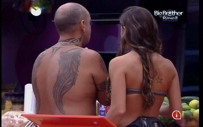 João Carvalho e Laisa conversam sobre almoço desta terça-feira (07)