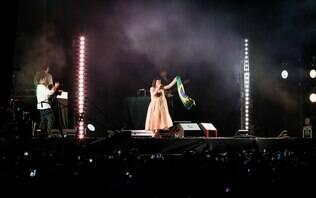 De volta após 10 anos, Lily Allen lota show e encanta em São Paulo