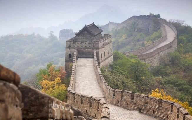 Para ver a Grande Muralha o turista pode levar até sete horas para completar o passeio
