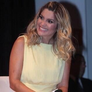 Flávia Alessandra participa de evento, em São Paulo