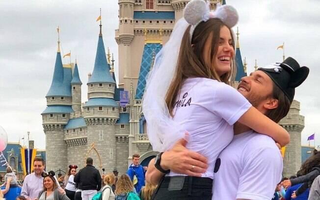 Klebber Toledo e Camila Queiroz começaram a namorar nos bastidores da novela