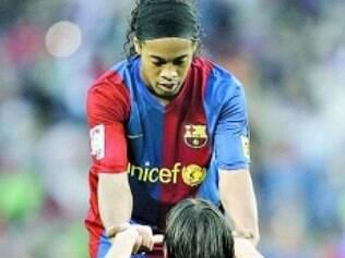 Amigos, Ronaldinho e Messi se encontraram mais uma vez