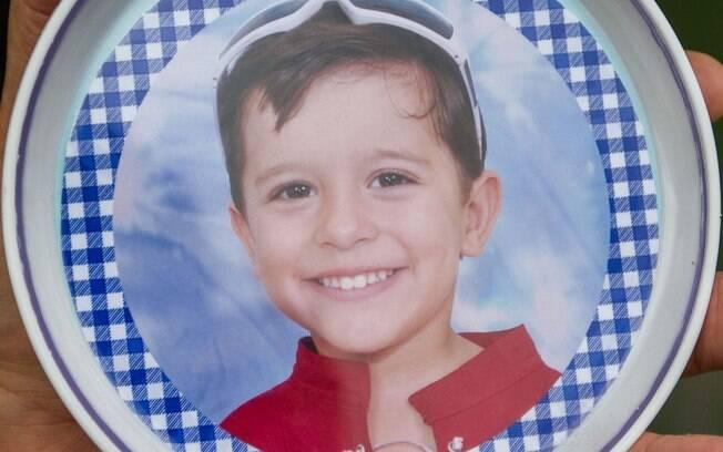 O menino Joaquim Ponte, de 3 anos, foi encontrado boiando no rio Pardo, em Barretos, interior de SP. O crime aconteceu em novembro de 2013 (06.11.13)