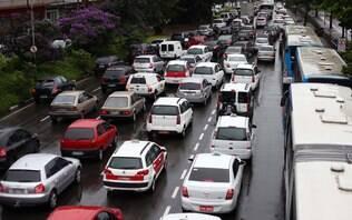 Prefeitura volta atrás e mantém o rodízio de carros em São Paulo nesta sexta