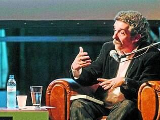 Vizinho. Na foto, em debate no Festival Internacional de Teatro de Buenos Aires, Dubatti é teórico dos mais ativos na América Latina