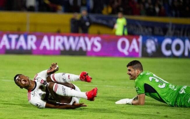 Bruno Henrique sofreu uma pancada ao marcar o primeiro gol do Flamengo sobre o Del Valle