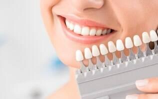 Sim, é possível perder um implante dental da mesma forma que se perdem os dentes