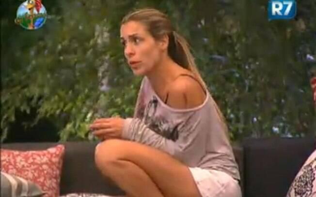 Joana Machado desabafa com Marlon