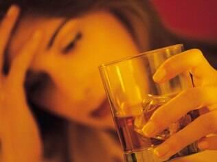 Álcool: nelas, consumo abusivo se concentra entre as mais jovens