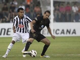 Argentino contratado pelo Palmeiras rodou o mundo antes de se destacar com  gols e títulos pela LDU 9f70cbb6aa3fe