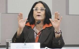 Debate de gênero causa sofrimento e automutilação de jovens, diz Damares