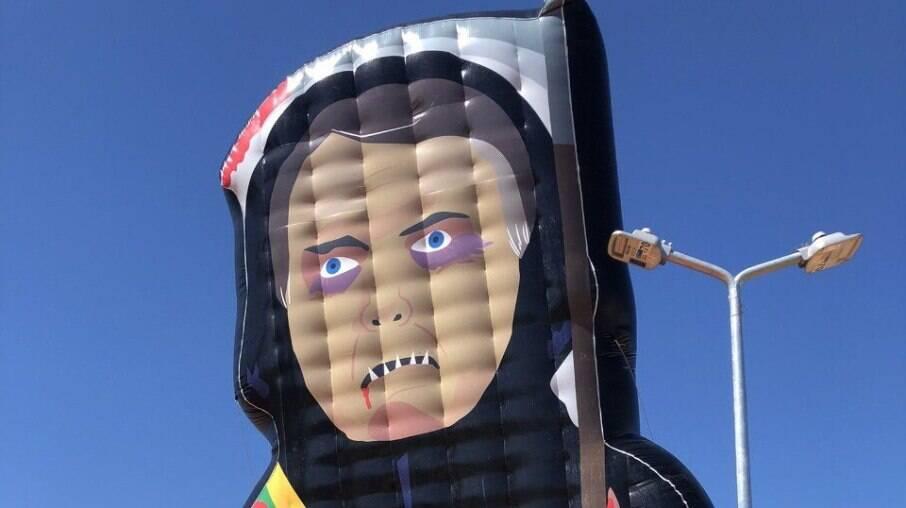 Boneco inflável do Capitão Cloroquino