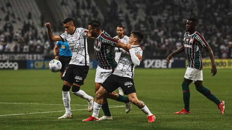 Corinthians vence o Fluminense na Neo Química Arena