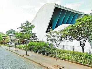 Sob medida. Sede atual, inaugurada em 1997, foi construída especialmente para abrigar o TCU