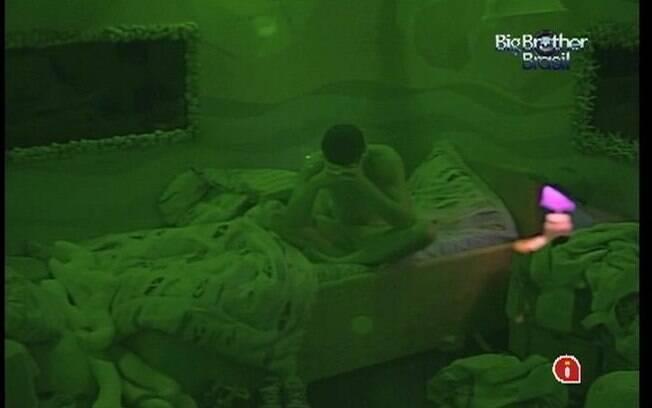 Fael dorme no Quarto Praia com Jonas, Kelly, Jakeline e Fabiana