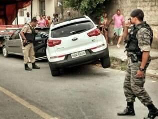 Um dos suspeitos foi morto após troca de tiros com a PM
