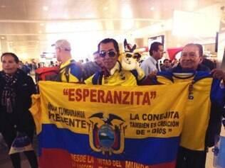 Equatorianos se despedem e incentivam seleção no aeroporto