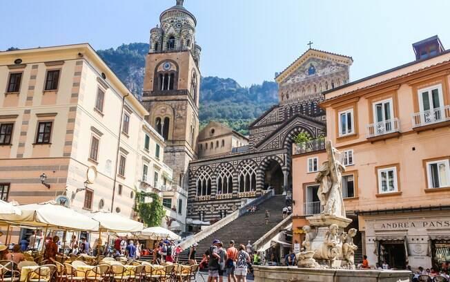 Cattedrale di Sant'Andrea Apostolo e sua escadaria em Amalfi