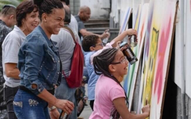 Algumas crianças da equoterapia participaram do evento, brincando de ser artista no Batalhão de Choque da PM de São Paulo