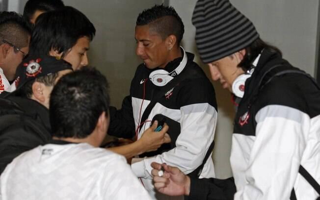 No Japão, Cássio foi um dos jogadores mais  assediados pelos torcedores