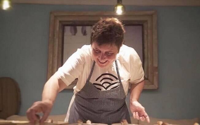 Ao notar que cozinhar era mais que um hobby, Roberta voltou ao Brasil para seguir a carreira de chef