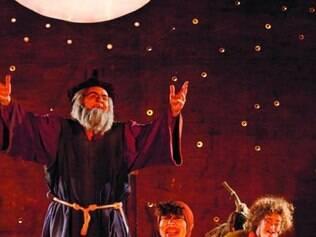 Peça do Galpão retrata saga de anti-herói do período medieval