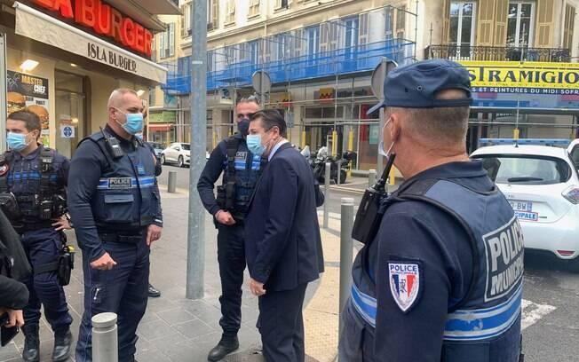 Ataque na França deixa ao menos três mortos